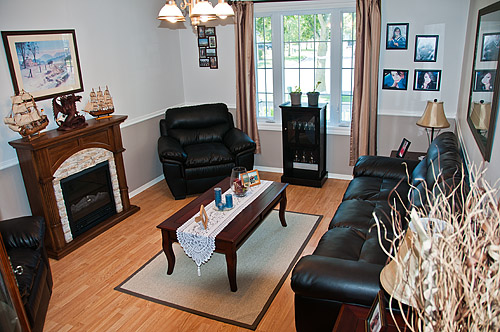 1195 Oxford St., Oshawa - Family Room