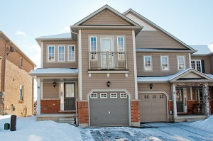 76 Barkdale Ave, Whitby