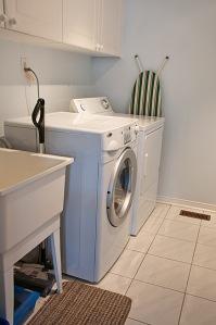 96 Shenandoah Dr., Whitby - Laundry