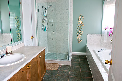 1533 Clearbrook Dr., Oshawa - Ensuite Bath