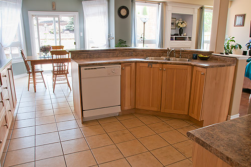 1533 Clearbrook Dr., Oshawa - Kitchen