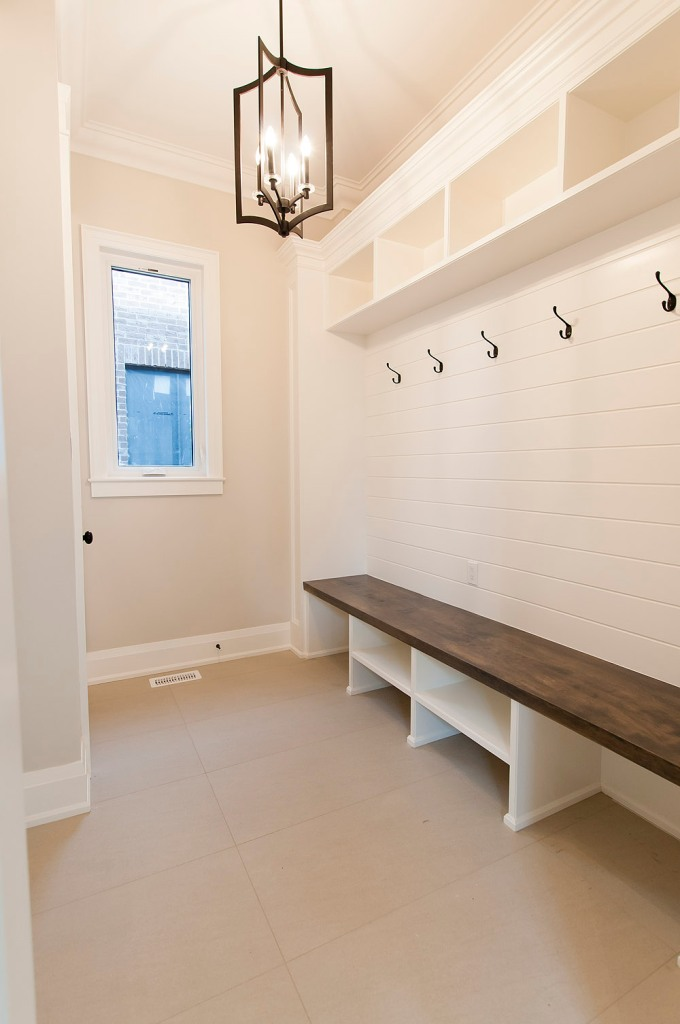 715 Hickory St. North, Whitby - Mud Room