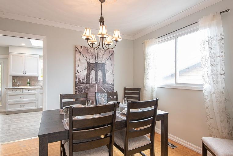 890 Cumberland Ave., Peterborough - Dining Room