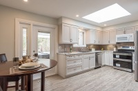 890 Cumberland Ave., Peterborough - Kitchen