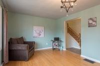 890 Cumberland Ave., Peterborough - Living Room