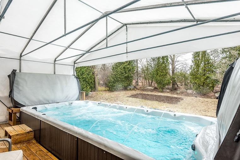 890 Cumberland Ave., Peterborough - Swim Spa