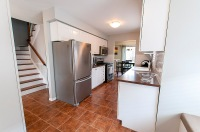 12 John Walter Cres, Courtice - Kitchen