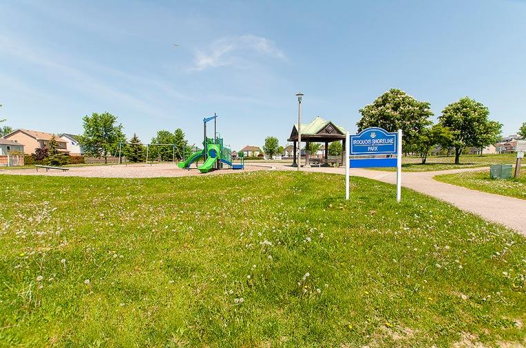 1034 Glenbourne Dr., Oshawa - Park