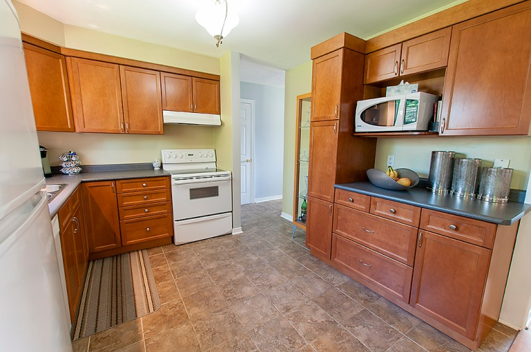 47 Deerpark Cres., Bowmanville - Kitchen