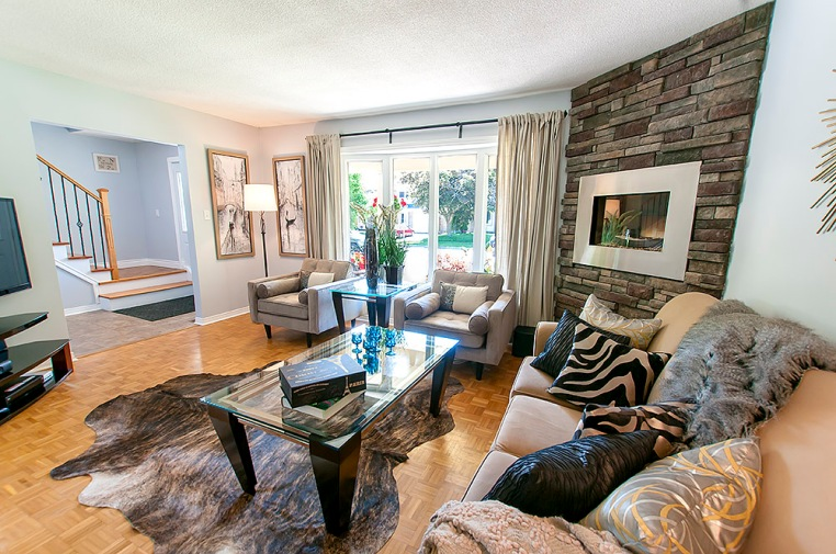 47 Deerpark Cres., Bowmanville - Living Room